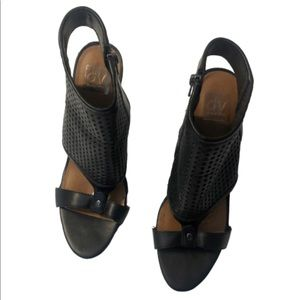 Dulce Vita Faux Leather SZ9 peptoe booties black